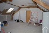 Grange rénovée en 2 maisons avec piscine Ref # Li582 image 18
