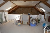 Grange rénovée en 2 maisons avec piscine Ref # Li582 image 17