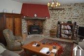 Grange rénovée en 2 maisons avec piscine Ref # Li582 image 24