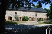 Grange rénovée en 2 maisons avec piscine Ref # Li582 image 1