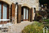 Grange rénovée en 2 maisons avec piscine Ref # Li582 image 32