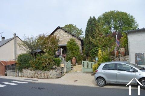 Grange de village rénovée de près de 200m² Ref # Li587