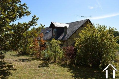 Grange de village rénovée de près de 200m² Ref # Li587 Image principale