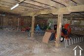 Fermette rénovée de 4 chambres avec SdE privatives Ref # Li595 image 30