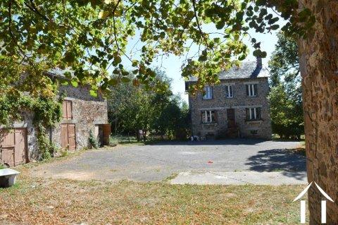 Deux maisons avec grandes dépendances et terrain de 1,7 hectares Ref # Li596 Image principale