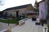 Fermette avec 1,6 hectares, grandes granges, piscine Ref # Li609 image 28