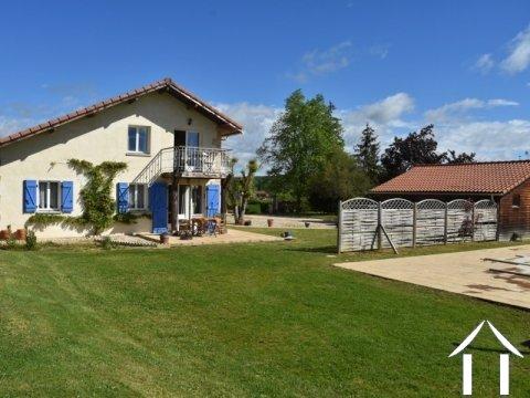 Maison de village avec gite et piscine Ref # BE4536