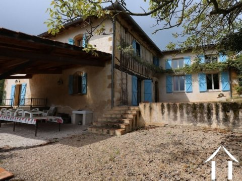 Maison de caractère avec 15ha de terrain dans un joli cadr Ref # EL4541