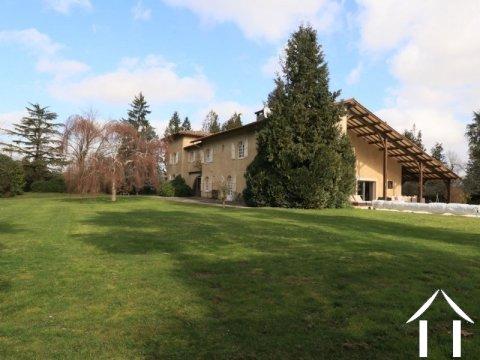 Maison d'architecte avec grandes surfaces de vie Ref # EL4719
