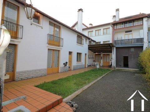 Maison de ville, 8 chambres, dépendances, 829m²  Ref # LC4653