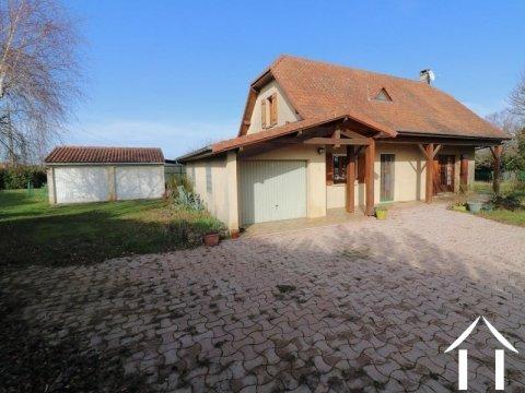 Maison, 4 chambres, 3 garages, 3500m² de terrain. Ref # LC4703