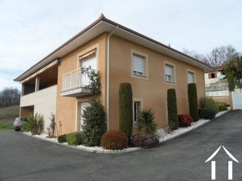 villa de 2006 avec vue panoramique sur les Pyrénées Ref # lbd442