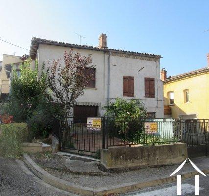 Maison de village avec terrasse et jardin non attenant avec garage Ref # MP9064