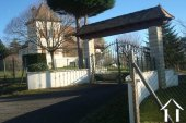 Belle maison de style Quercynois avec piscine et 5600 m² de terrain Ref # MPLS1024 image 2