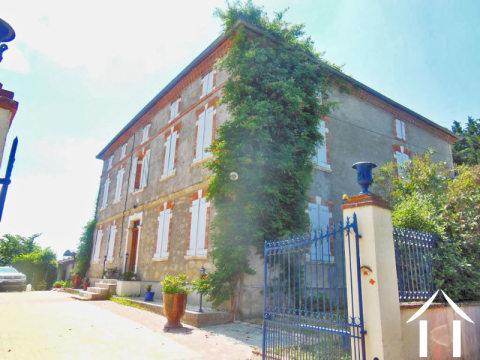 Maison de maître avec gîte potentiel sur 1ha Ref # MP9028 Image principale