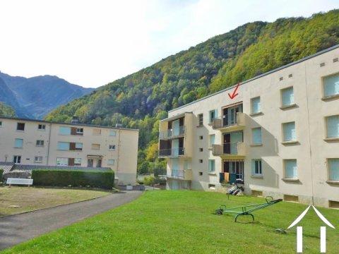 Bel appartement avec belle vue montagne orienté sud dans village de montagne Ref # MPDJ011