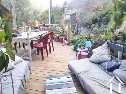 Maison de montagne avec terrasse dans hameau ariegeois Ref # MPDK002