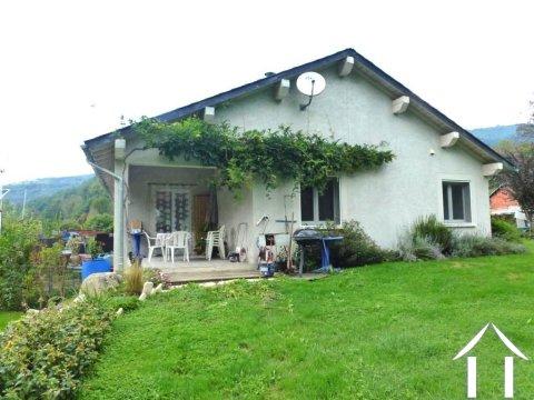 Maison récente sur 1.12ha à la montagne avec gite potentiel Ref # MPDK026