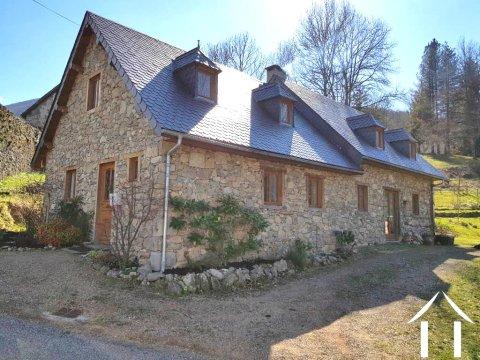 Maison en pierres 180m2 sur terrain 8000m2 Ref # MPDK045