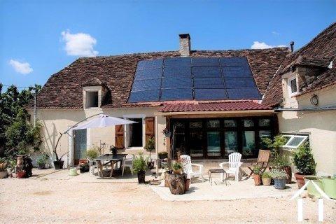 Maison 'en pierre' avec un grand jardin en bordure d'un village touristique. Ref # MPLS1002