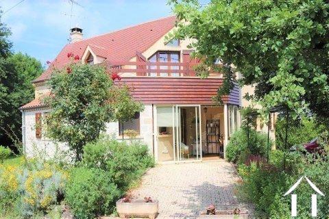 Spacieuse maison sur 1800m2 de jardin Ref # MPLS1005