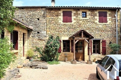 Propriété avec maison en pierres avec b&b et gites avec jardin en dordogne Ref # MPLS1013