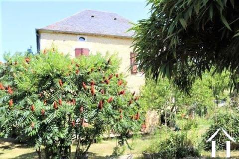 Maison rénovée ´en pierre´ avec gite sur 4000 m2 de terrain Ref # MPLS1014