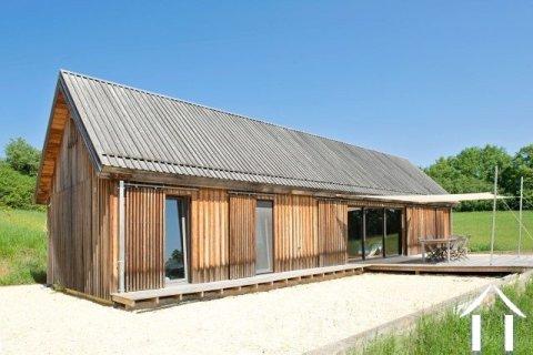 Maison en bois avec 5000 m² de terrain et de très belles vues Ref # MPLS1027