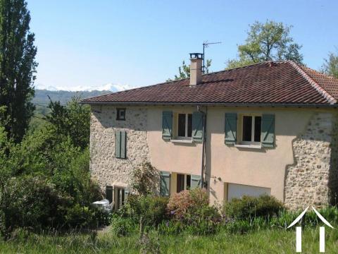 Maison en pierres rénovée avec jardin et belle vue sur les Pyrénées Ref # MPOA1851