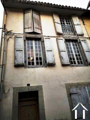 Immeuble d'habitation ancien à rénover dans quartier en réhabilitation de St Girons Ref # MPOA1856