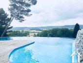Château rénové divisé en 4/5 logements séparés + 2 maisons, piscine, sur 3,8 ha Ref # MPOP0032 image 3