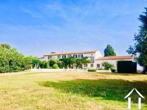 Belle maison avec gîte dans un bel emplacement et vue imprenable ! Ref # MPOP0072 Image principale