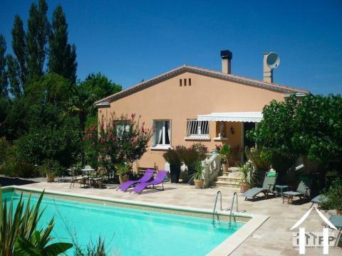 Maison de village avec suite familiale et jardin avec piscine Ref # MPMPOP0086