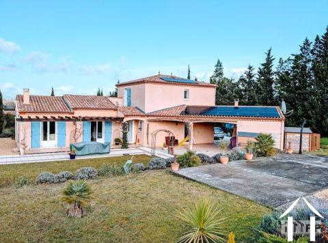Villa française avec jardins clos et vue sur les montagnes Ref # MPMPOP0087