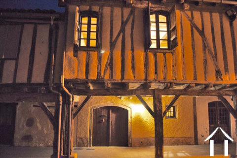 Charmante maison de village entièrement restaurée avec style dan Ref # MPP2002