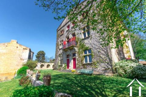 Grand Château historique avec 8 hectares de terrain, Maison des Ref # MPPOP0084